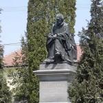 Károlyi Gáspár szobra