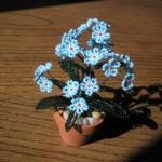 Kék nefelejcs gyöngyből