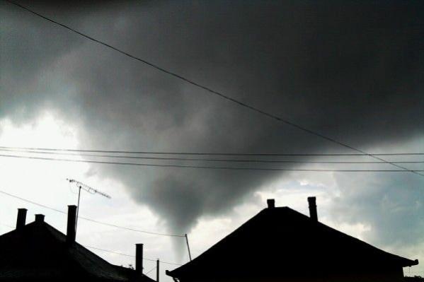 Tornádó Nyíracsádon forrás:http://www.haon.hu/tornado-pusztitott-nyiracsadon/1996656