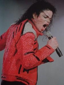 Koncerten a piros dzsekiben