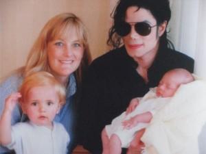 Debbie Row-val, 2. feleségével és gyermekeikkel