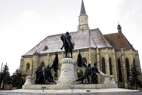 Kolozsvár. Mátyás-szobor